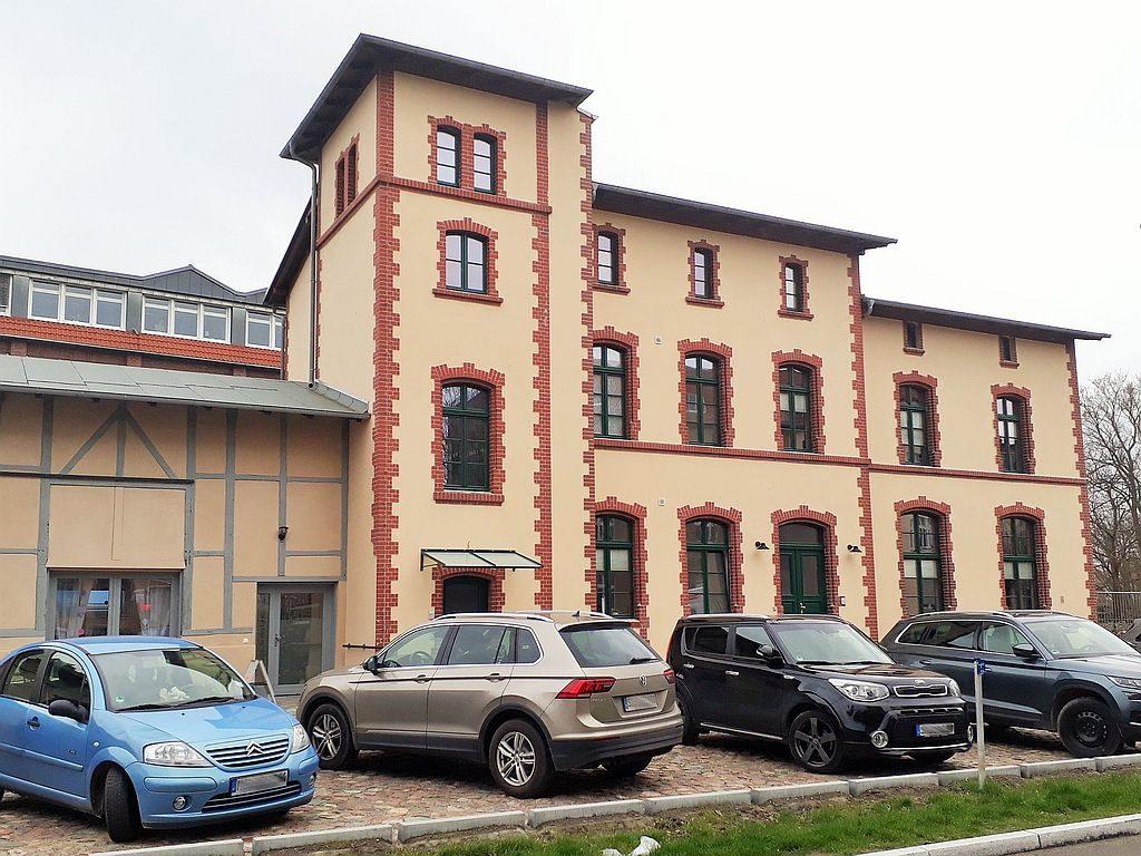 Strausberg: Alter Bahnhof im neuen Glanz!